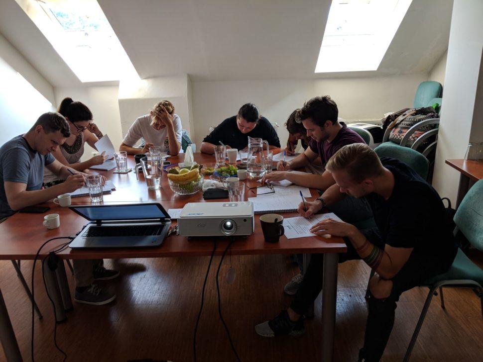 Účastníci během kurzu koučinku